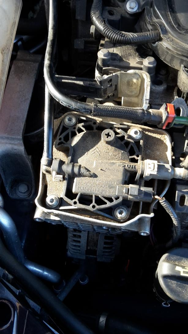 Kuga I (Bj. 08-13) DM2 - Lichtmaschine wechseln. Kuga Mk1 2.0 TDCI ...