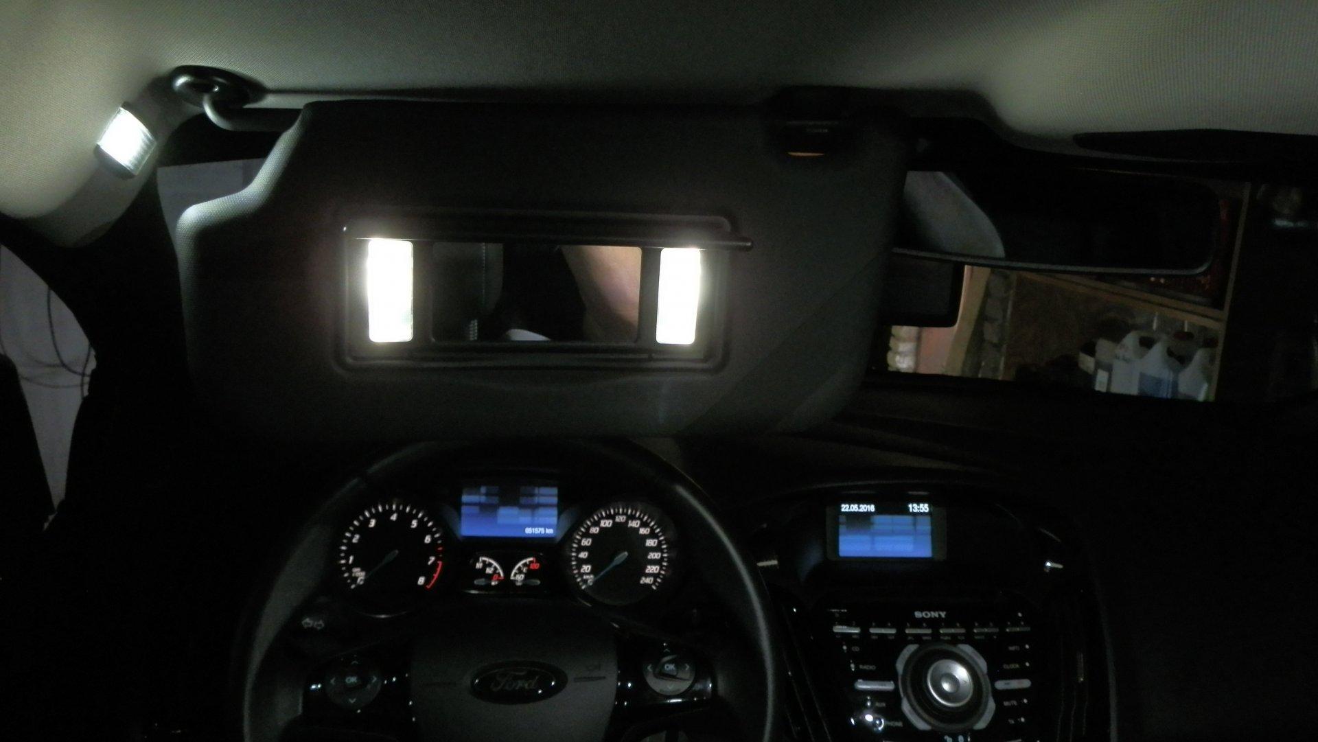 Ford Focus III (2016-05-22) - LED-Make-up-Spiegel-Schminkspiegelbeleuchtung - Bild 8.JPG