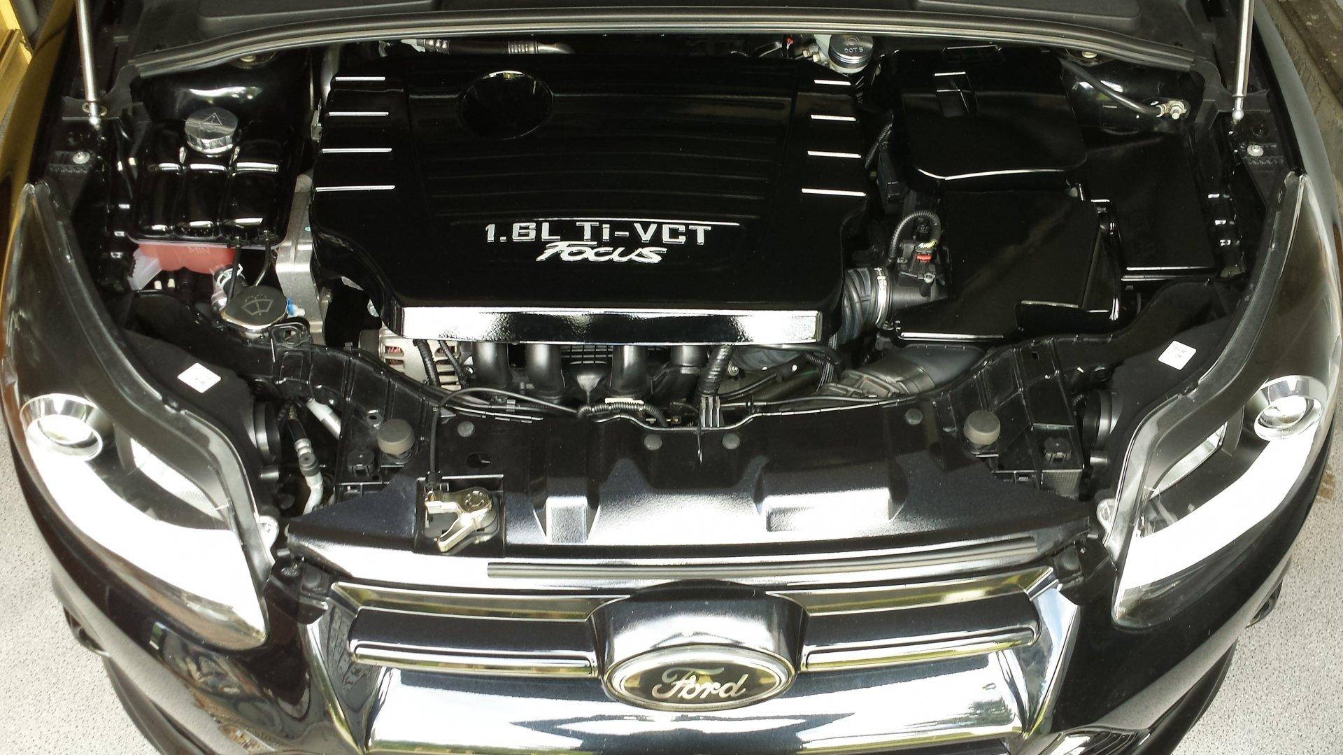 Ford Focus III (2017-07-29) - Motorraum.jpg