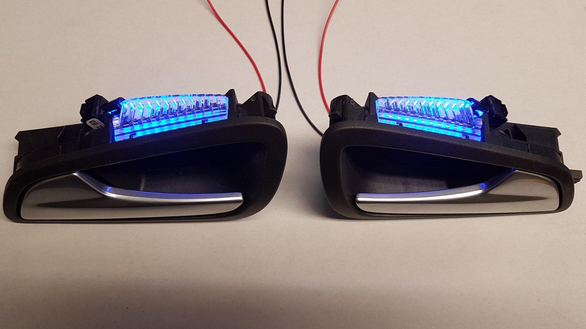 Ford Focus III (2019-02-06) - LED-Ambientebeleuchtung in Türinnenöffnermulden - Bild 1.jpg