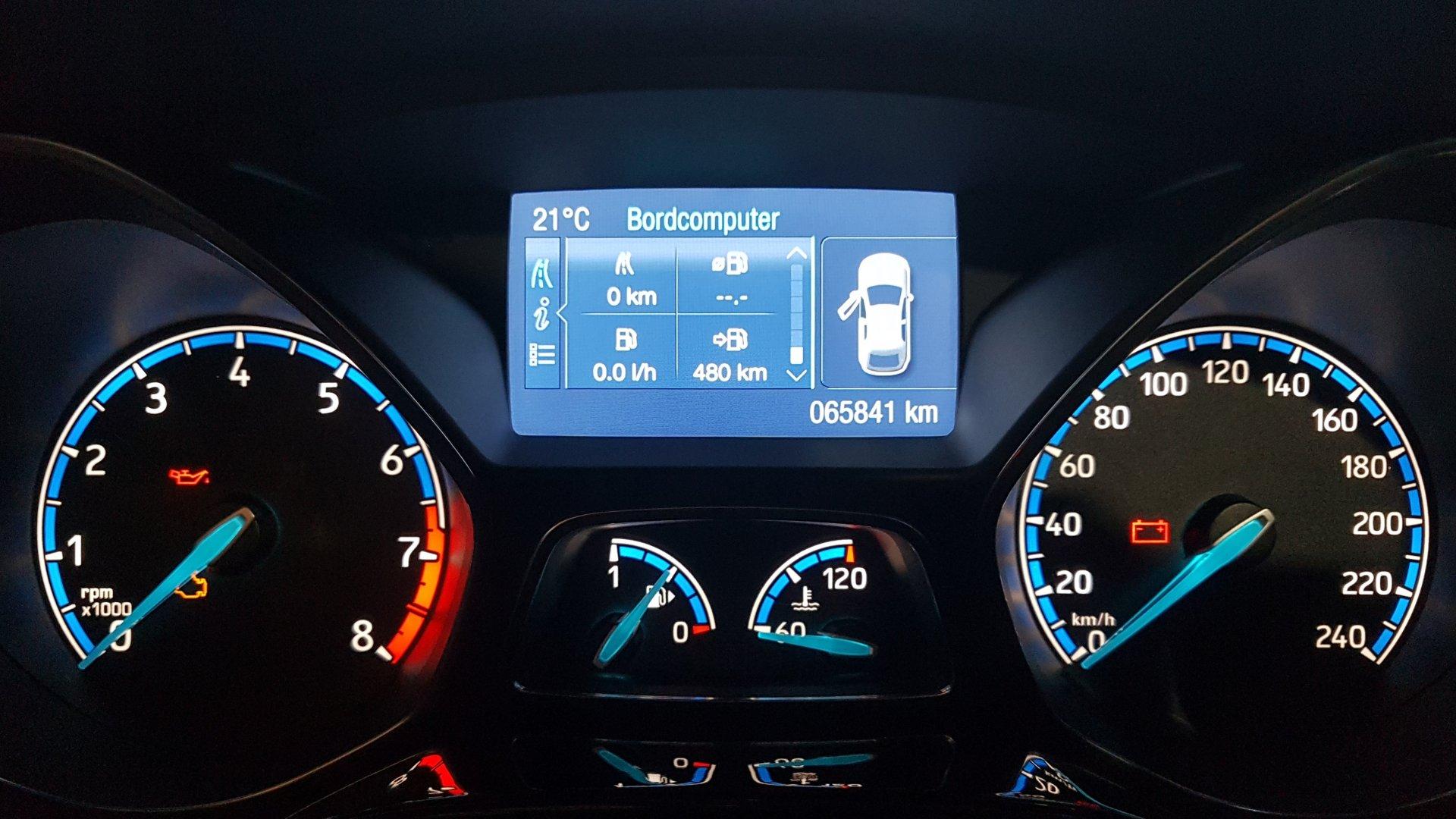 Ford Focus III (2019-04-20) - Tachoscheiben RS-Design (Kreis blau, Zeiger blau).jpg