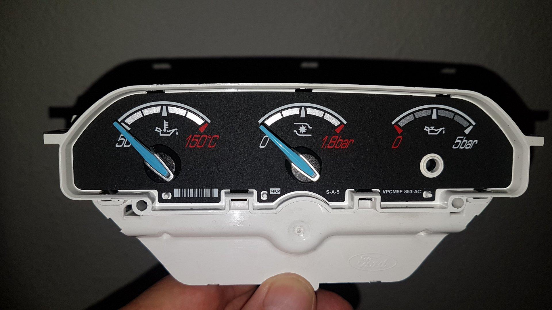 Ford Focus III (2020-03-17) - Umbau ST-Zusatzinstrument neue Zeiger - Bild 3.jpg