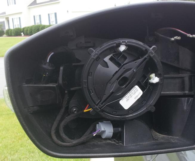Ford Focus III - Außenspiegelgehäuse Umfeldbeleuchtung - Bild 4.jpg