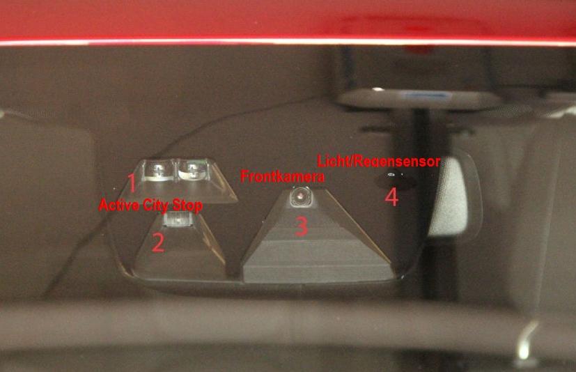 Ford Focus III - Sensoren Frontscheibe.jpg